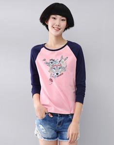 粉红印花撞色拼接插肩长袖T恤